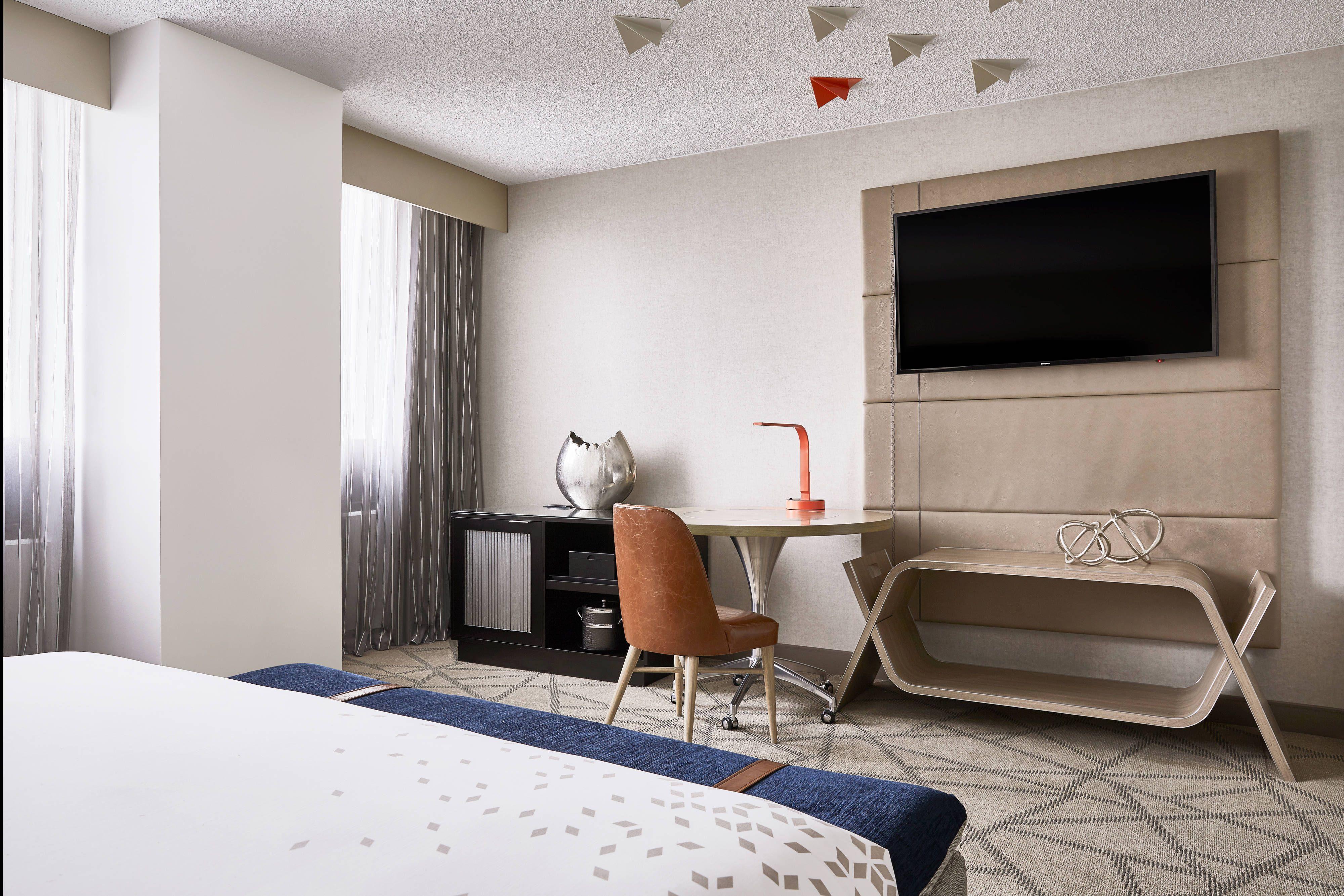 Renaissance Denver Stapleton Hotel King Guest Room In Room