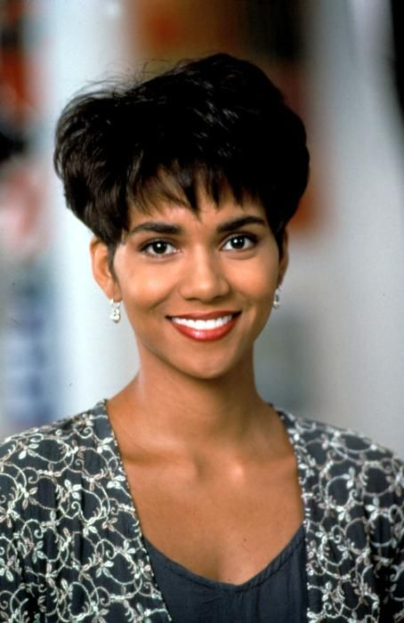 Halle Berry Boomerang Retro But Cute Haircuts I Want