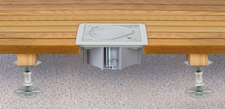 Torretta a scomparsa per presa di corrente a pavimento in ambienti esterni