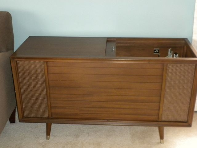 Rca Stereo Sliding Door Cabinet Home Stereo Cabinet