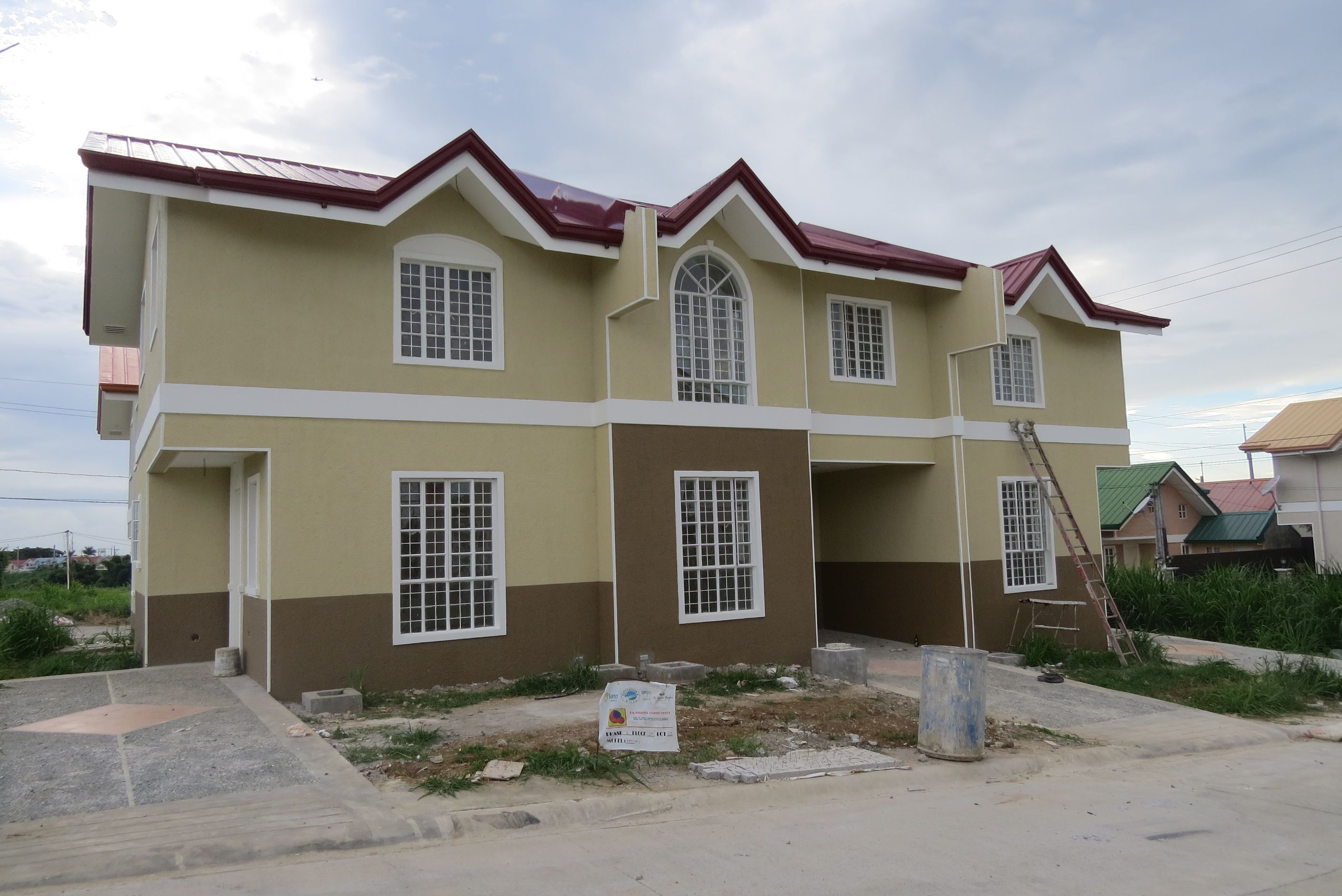 TRIPLEX TOWN HOMES RUSH FOR SALE BRAND NEW --- ON GOING