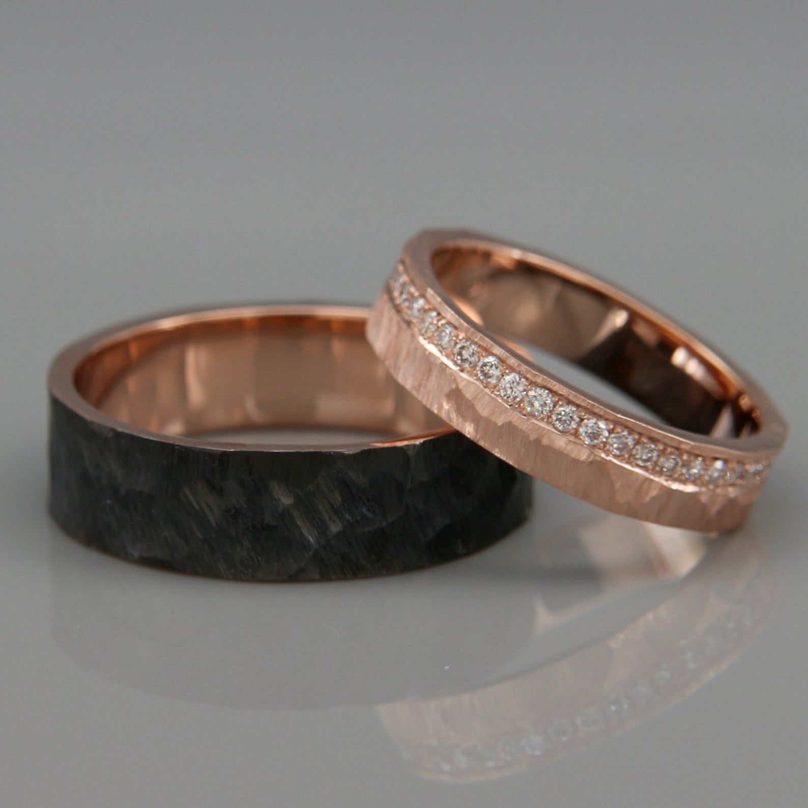 His And Hers Wedding Ring Set 14k Rose Gold Wedding Band Set With Dimoands In Rough Faceted Style Black Rhodium Wedding Bands Set Gold Wedding Band Sets Wedding Rings Rose