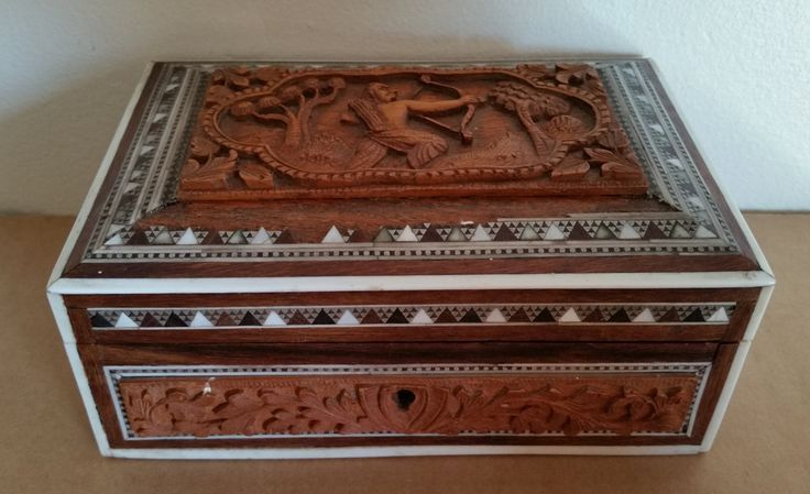 Carved Wood Jewelry Trinket Box vintage w free ship