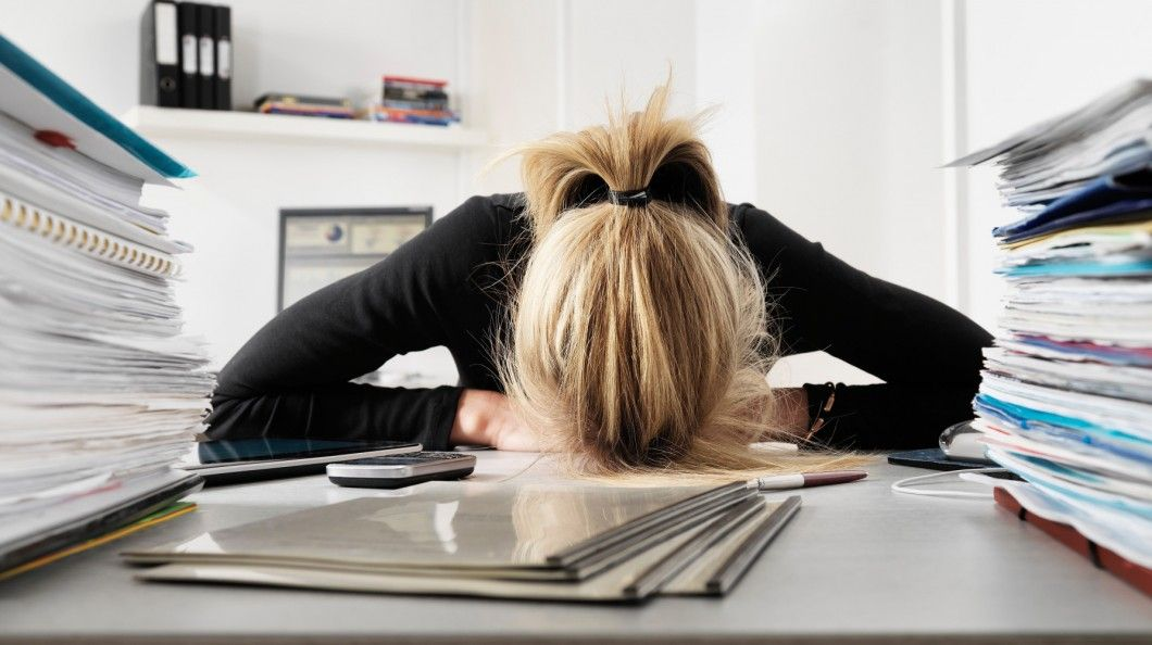 Você poderá ter que trabalhar 14 horas diárias sem receber horas extras  http://controversia.com.br/3280