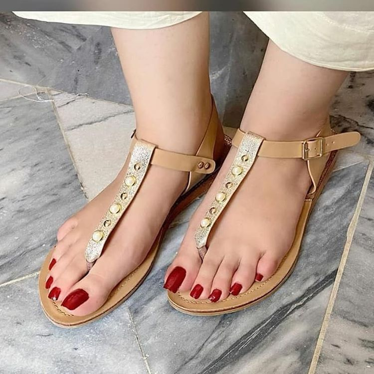 Beautiful feet only no instagram toobabhatti15