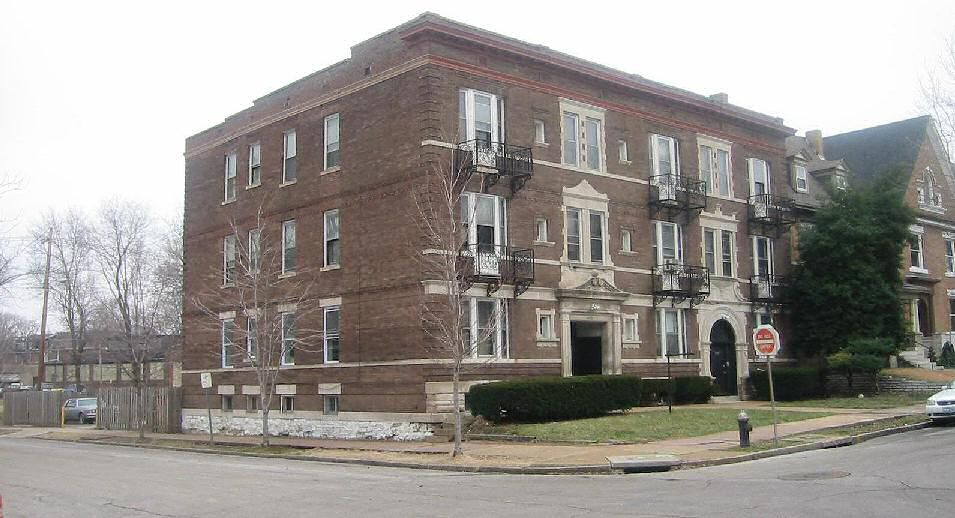 The Glass Menagerie Apartments Central West End St Louis Mo Tennessee Williams Lived In This Building As A Boy And Is Considered The Setting For His Play