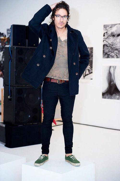 How to wear black skinny jeans guys