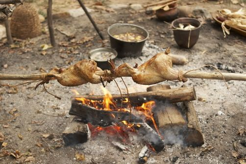 1075693 early native american cooking at the time of the - Early american cuisine ...