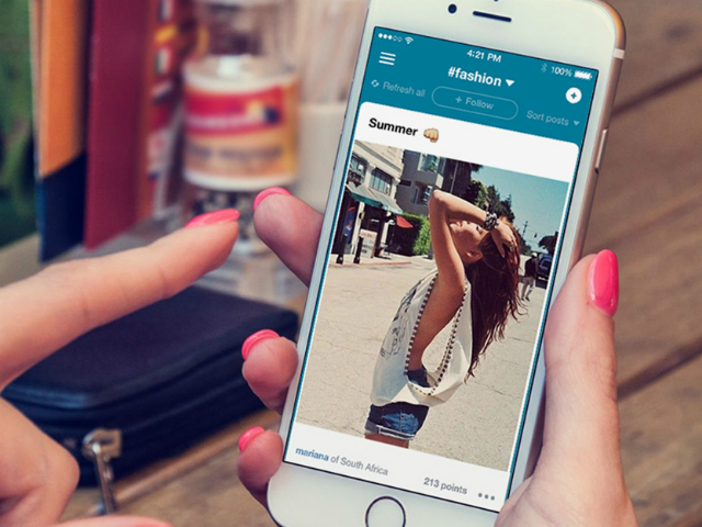 Hyper Photo-Sharing App Mixes Instagram with Reddit on iOS