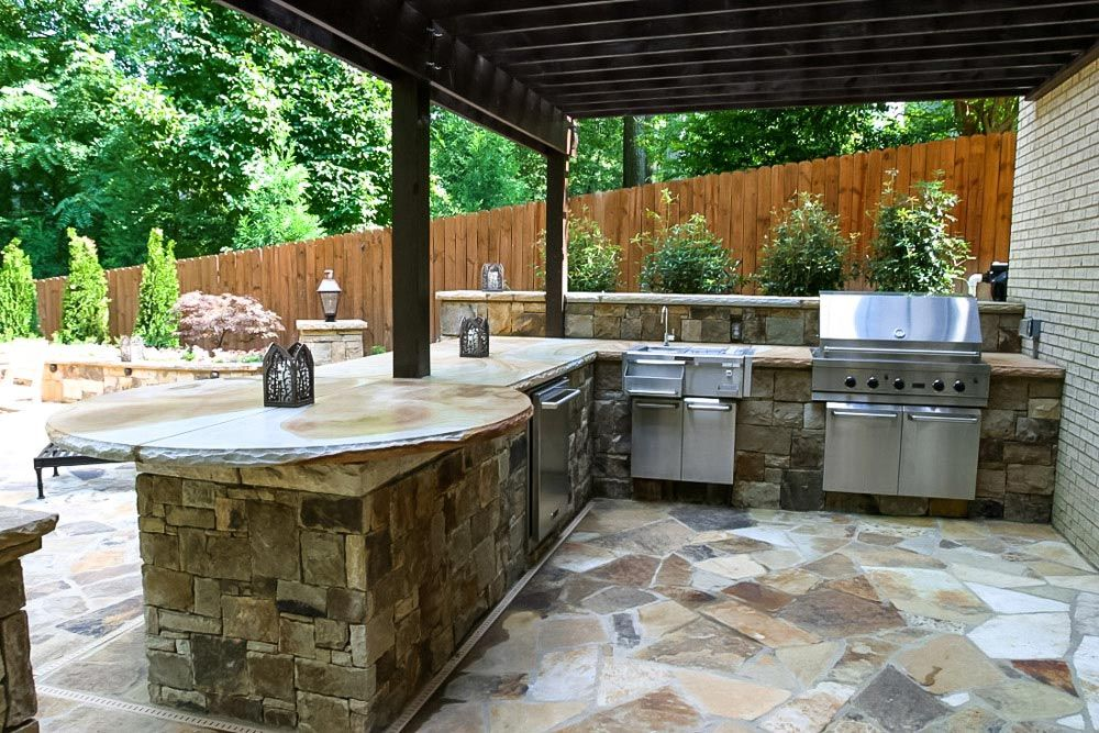 Artistic Landscapes Creates Beautiful Outdoor Kitchens And Outdoor Living Spaces In Atlanta Georgia Backyard Remodel Outdoor Kitchen Bars Outdoor Bar