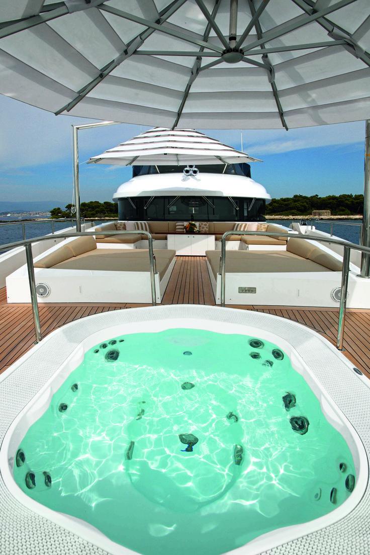Spa Jacuzzi Sienna Experience Encastr Sur Le Pont D Un Yacht