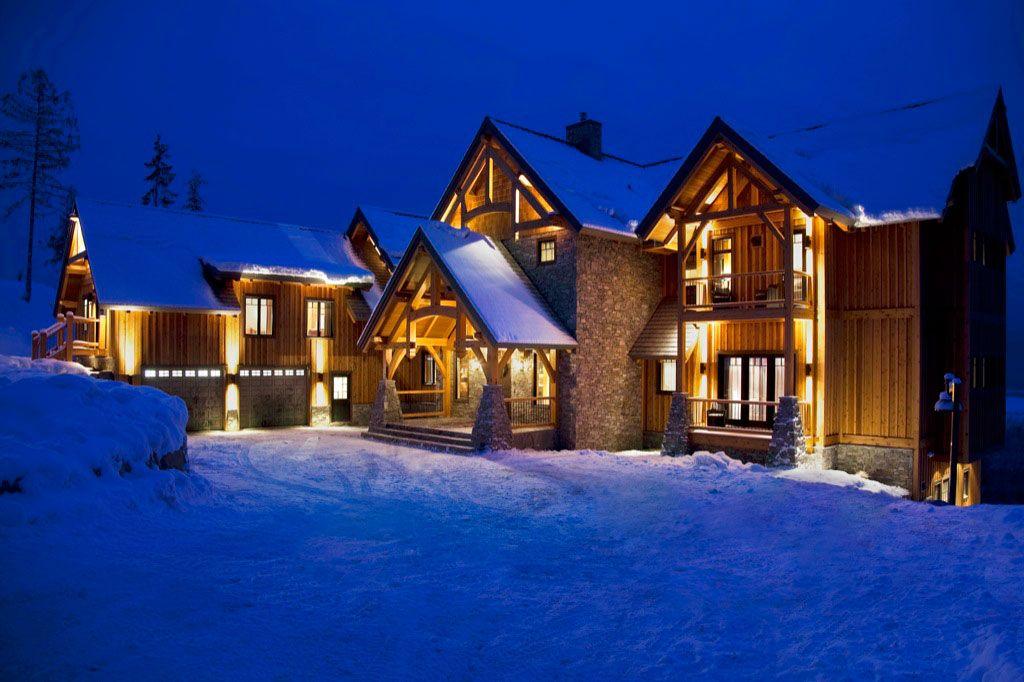 Heliski Lodge In Canada Bighorn Revelstoke Sleeps 16