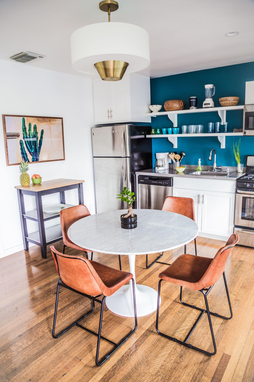 die besten 25 k che retro gestalten ideen auf pinterest retro esszimmer k cheneinrichtung. Black Bedroom Furniture Sets. Home Design Ideas