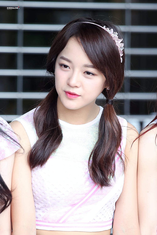 Fyeah Gugudan Kim Sejeong Pretty Korean Girls Kpop Girl Groups