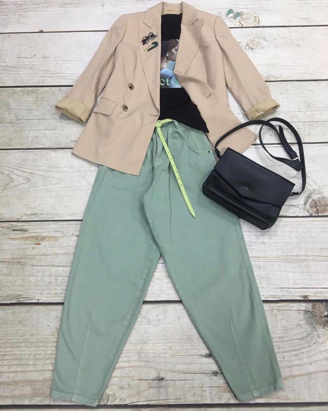 """Шоурум Балашиха on Instagram: """"Наши новые джинсы цвета фисташка Модель moms легко впишутся в любой комплект 👌…"""""""