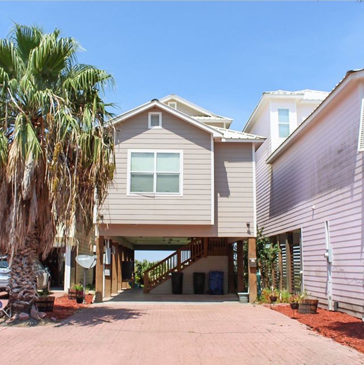 110 Clement Cove in Port Lavaca, TX🐠 | Waterfront homes, Ingleside, Beach  living