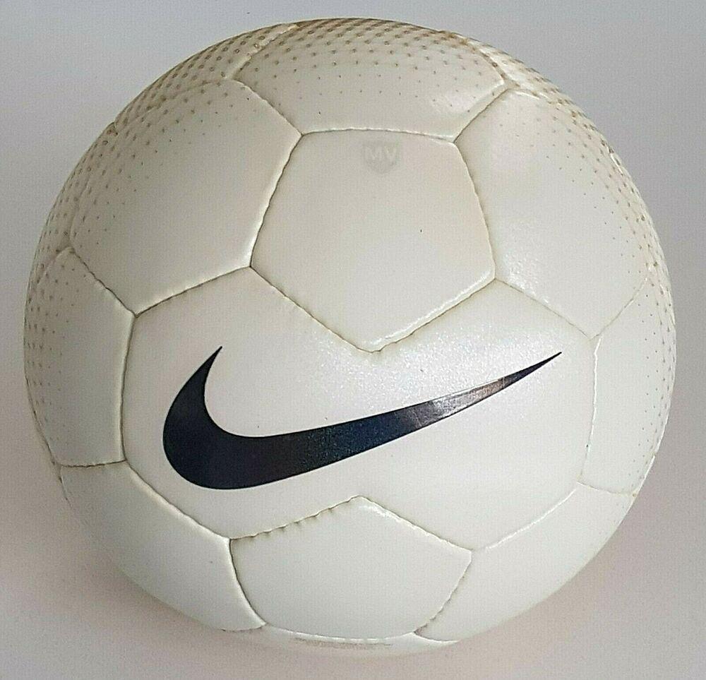 En todo el mundo raspador siguiente  2006 NIKE MERCURIAL VAPOR JOGA BONITO OFFICIAL MATCH BALL FOOTBALL FIFA  APPROVED #Nike | Fifa, Ball, Soccer fifa