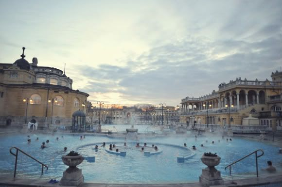Take an outdoor bath in winter in Budapest's thermal pools. How amazing! #Bucketlist #Budapest #Travel