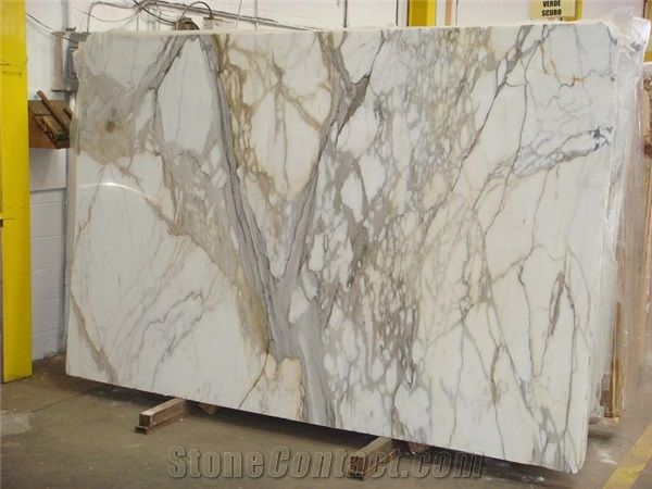 Calcutta Gold Marble Slab Italy White Marble Www Stonecontact Com Calcutta Gold Marble Calcutta Gold Calcutta Gold Marble Bathroom