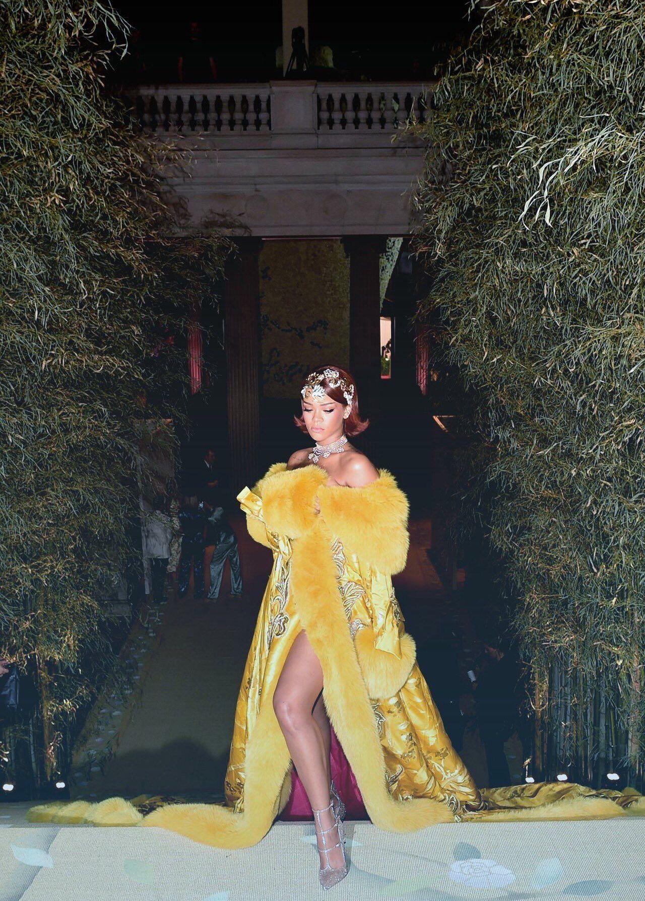 Yellow dress rihanna  ITS MET GALA DAY hereus one of my favourite met looks ever