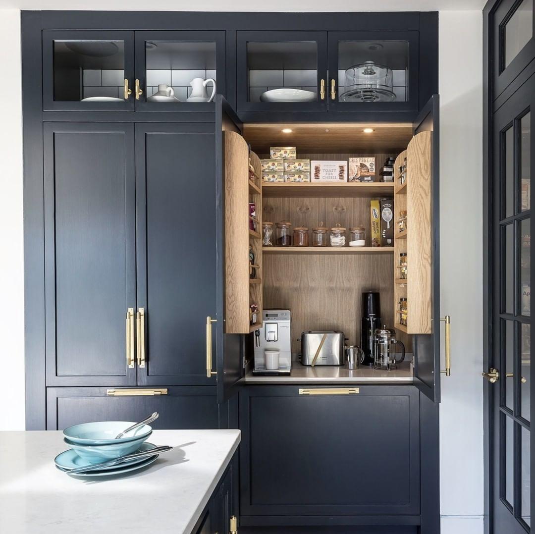 Buster Punch On Instagram Dark Navy Brass Type Pull Bar Plate Type T Bar Type Door Lever In 2020 Kitchen Cabinets Kitchen Interior Kitchen Layout