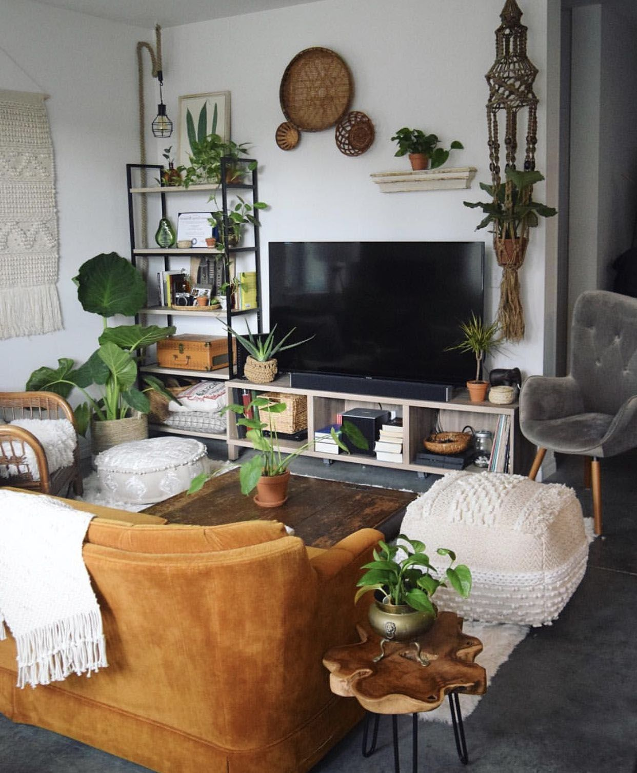 20 Exceptionally Eclectic Living Space Styles In 2020 Eclectic Living Room Living Room Decor Modern Apartment Living Room