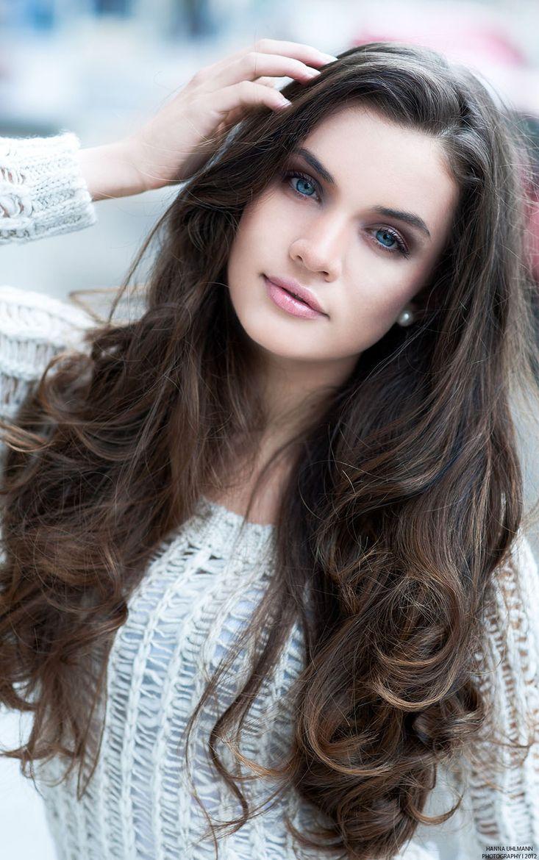 Ana S Hair And Blue Eyes Long Hair Styles Hair Styles Long