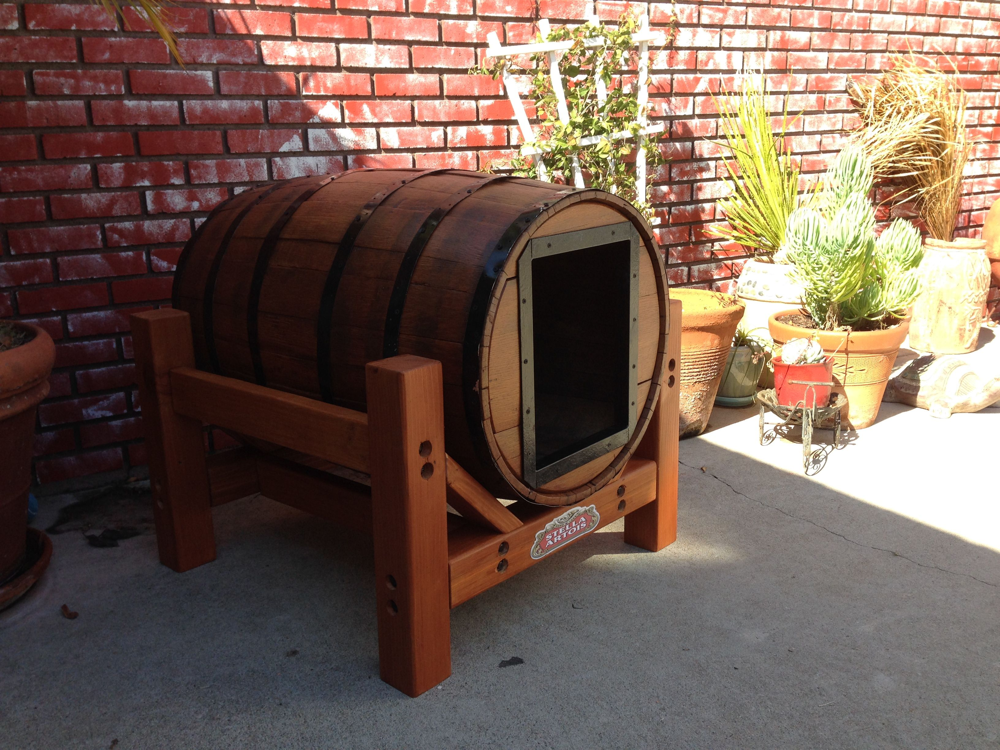 Whiskey barrel dog house minwax ididthatsweepstakes for Crate and barrel dog bed