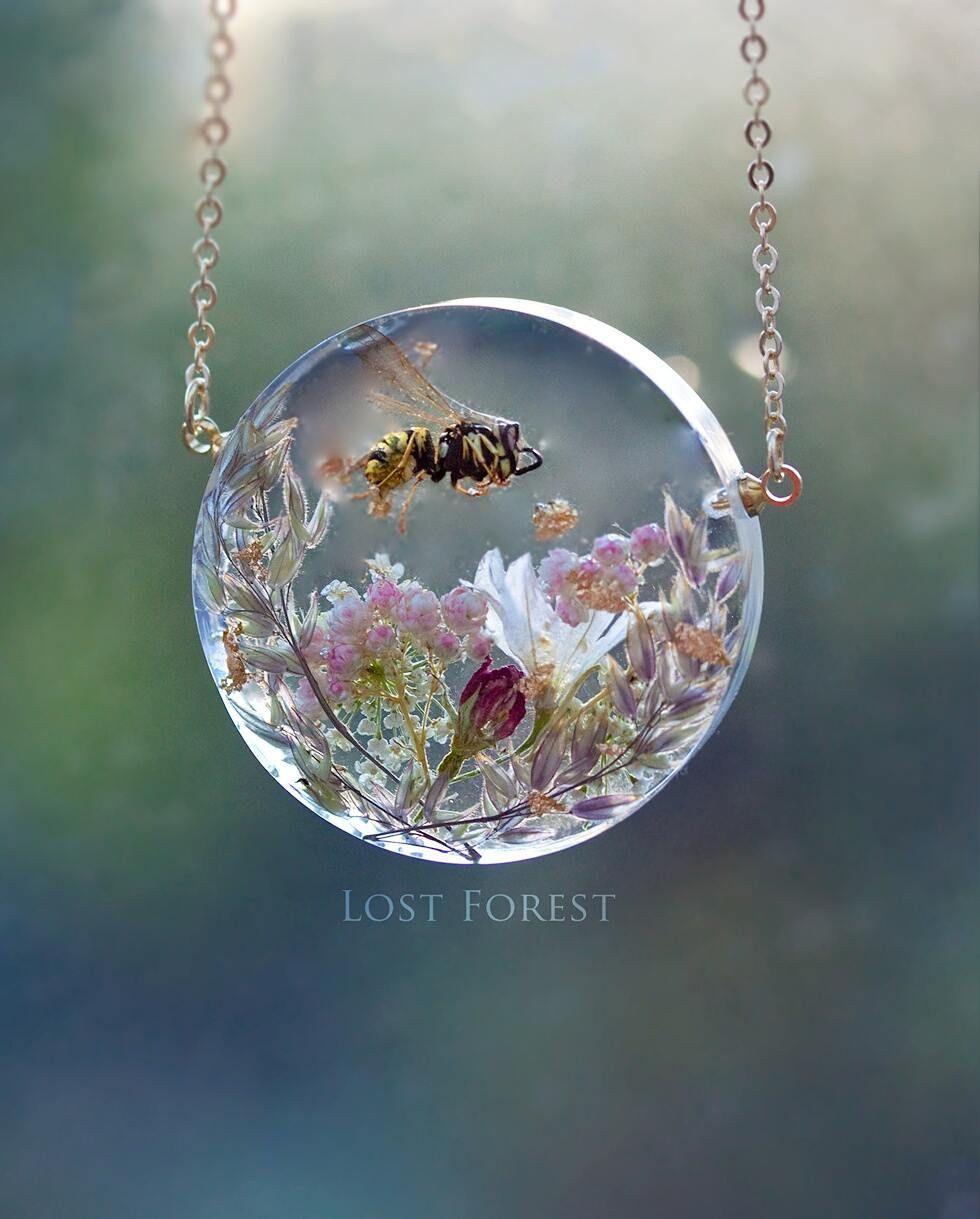 480 отметок «Нравится», 25 комментариев — Irish Botanical Jewellery ☘ (@lostforestjewellery) в Instagram: «{This item is sold} One of my favourite creations from a while back. My original and unique design…»