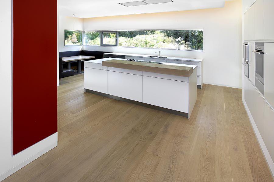 Parkett Küche landhausdielen villa in modernen villa parkett eiche hell patiniert