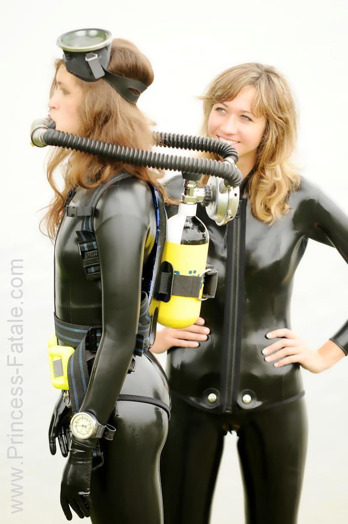Hot latex scuba girls bad ass hobbies pinterest for Women s ice fishing suit