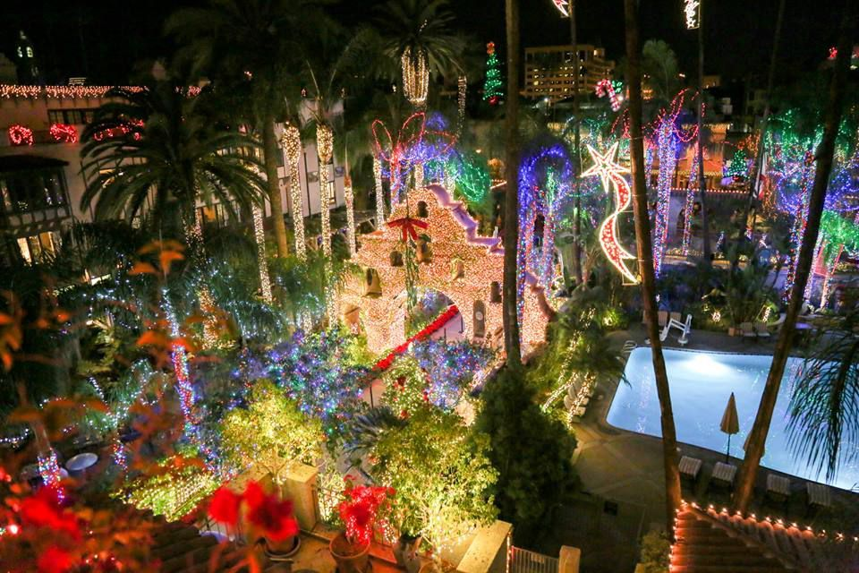 Here Are The Best Towns To See Stunning Christmas Lights Across The U S Best Christmas Light Displays Best Christmas Lights Christmas Lights