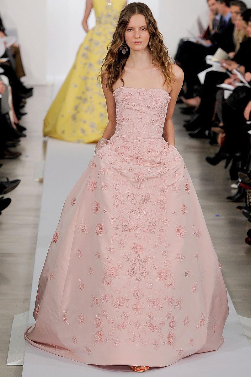 Hermosa Vestido De Boda De Encaje Oscar De La Renta Embellecimiento ...