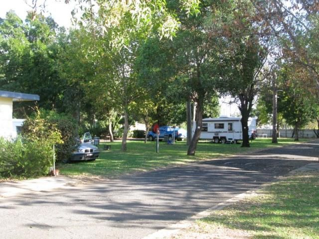 New photos of Rest a While Cabin and Van Park at Gilgandra NSW added to Caravan Park Photos website. This photo was taken on 14th April 2012.