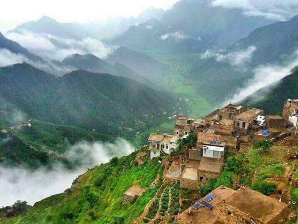 بلاد الطعام إحدى مديريات محافظة ريمة اليمنية بلغ عدد سكانها 31143 نسمة عام 2004 وتقع مديرية بلاد الطعام على ارت India Travel Places Yemen Places To Travel