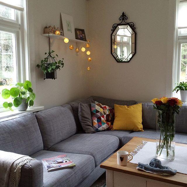 Sofatime from now until tomorrow!  Nyt fredagskvelden  Bli gjerne med på giveaway'en på den flotte lampen fra @multitrend, to bilder tilbake!