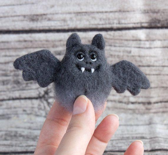 Bat Brooch - Halloween jewelry - needle felted brooch - Hand Felted Brooch - animal brooch - Grey pin - Unique gift - Autumn gift #needlefeltedanimals