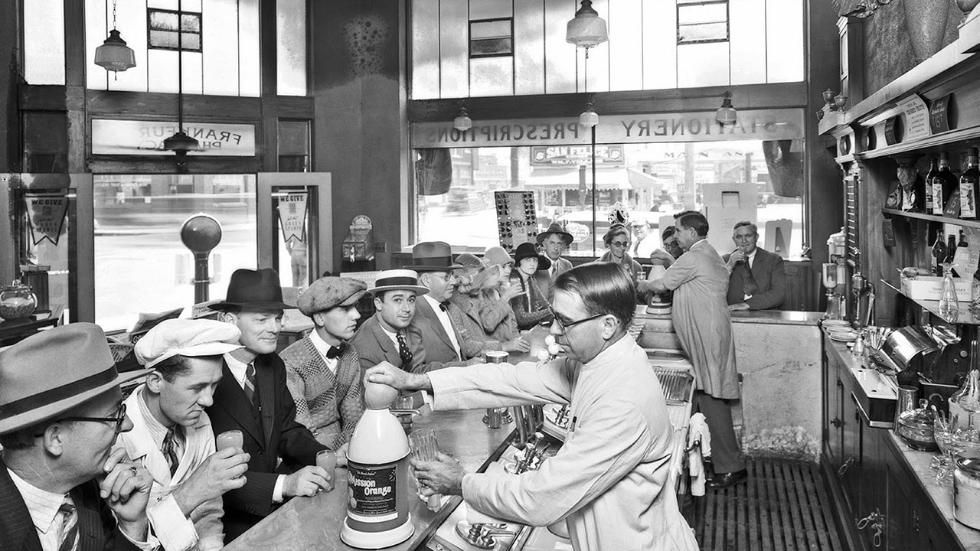 Mesmerizing Vintage Photos Of U S Drug Stores The Weather Channel Rosemead California Los Angeles California Photography Photo