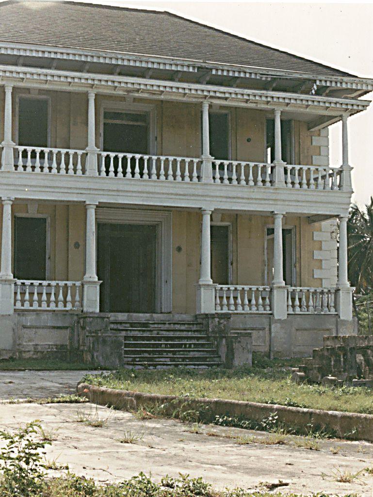 abandoned mansion   by turkeychik