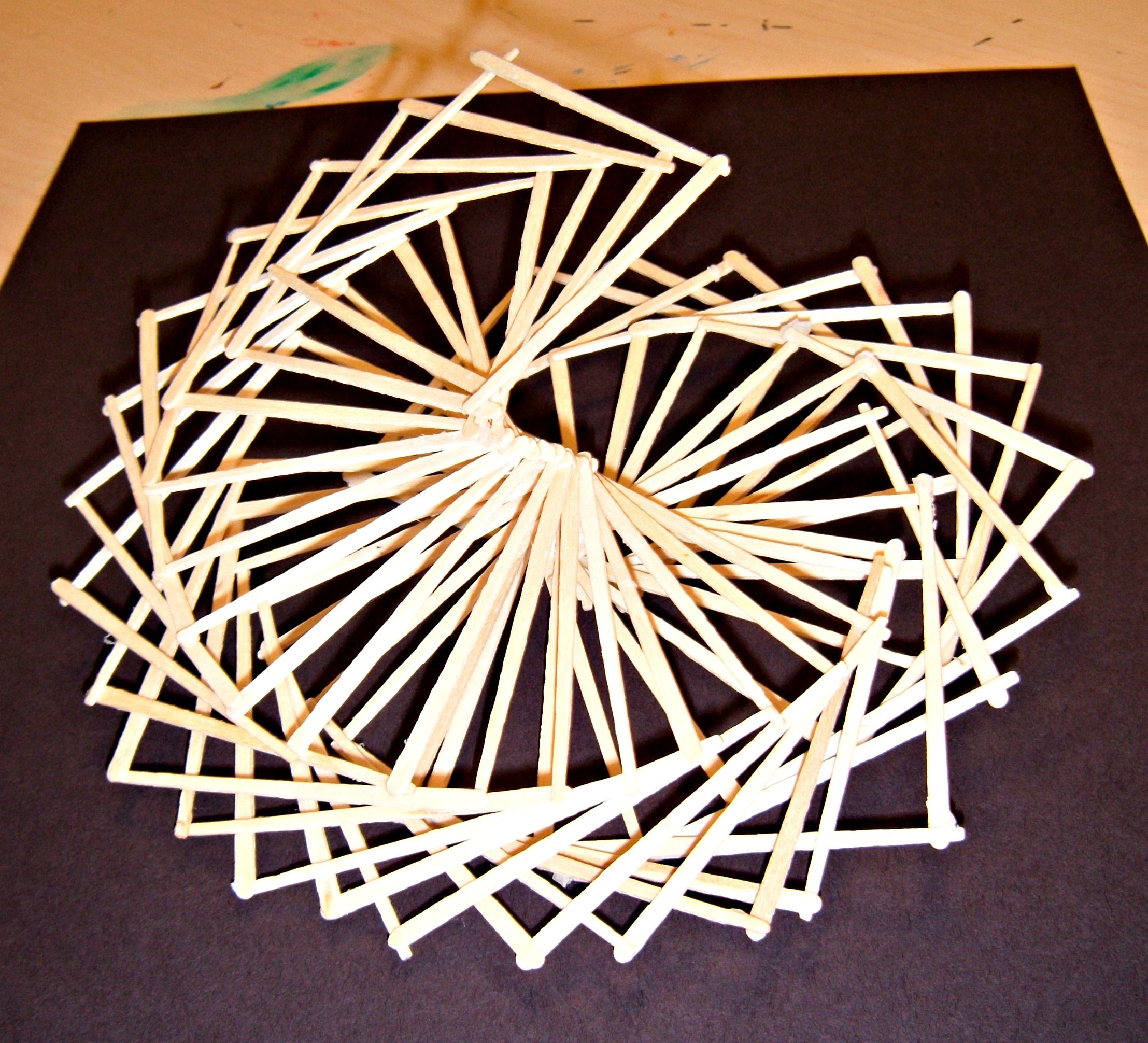 This Is A Lesson With Step By Step Directions For Creating Paper Linear Sculptures Using Toothpicks Seni Geometri Ide