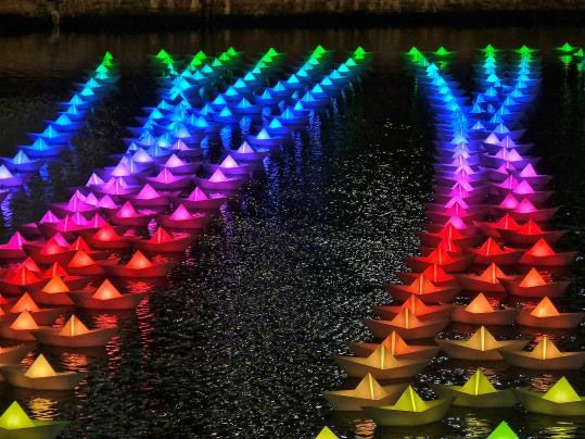Aether & Hemera Launch a Flotilla of Interactive LED Boats at Canary Wharf