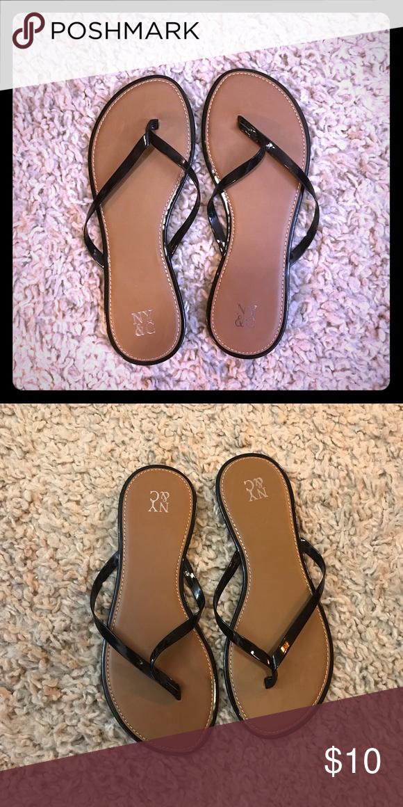 NY&Co black sandals Size 7 NWOT Black sandals