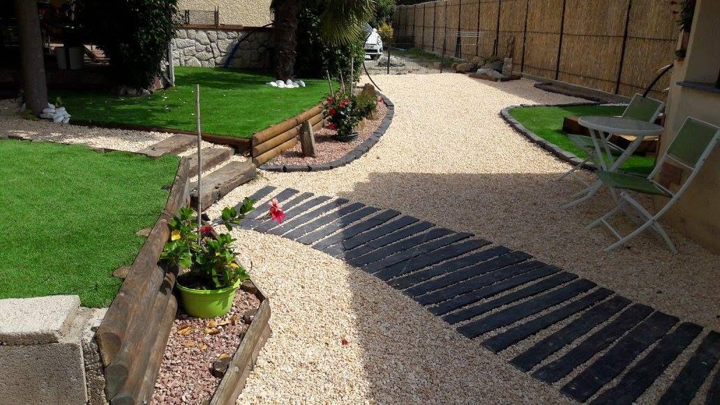 Pour réaliser cette allée de jardin, il vous faut: - Toile ...