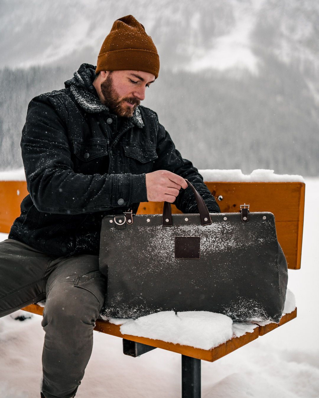 A comprehensive guide of what to pack for Banff National Park in the wintertime  #banff #travelalberta #wintertravel #packingforbanff #packinguide #whattopack #travelguide