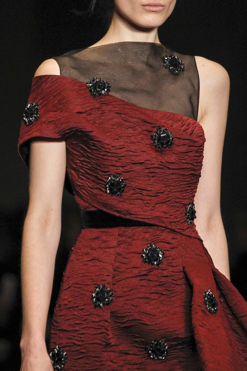 skaodi:  Erdem Ready To Wear Fall/Winter 2014. London Fashion Week.