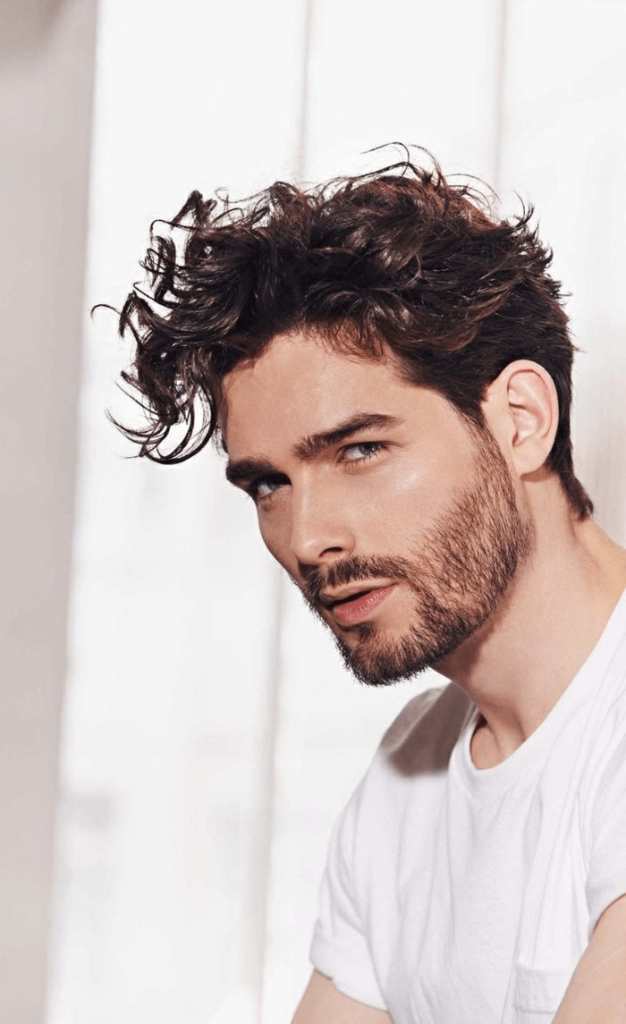 Moderne Frisuren Männer 2018 Locken Frisuren Männer Locken