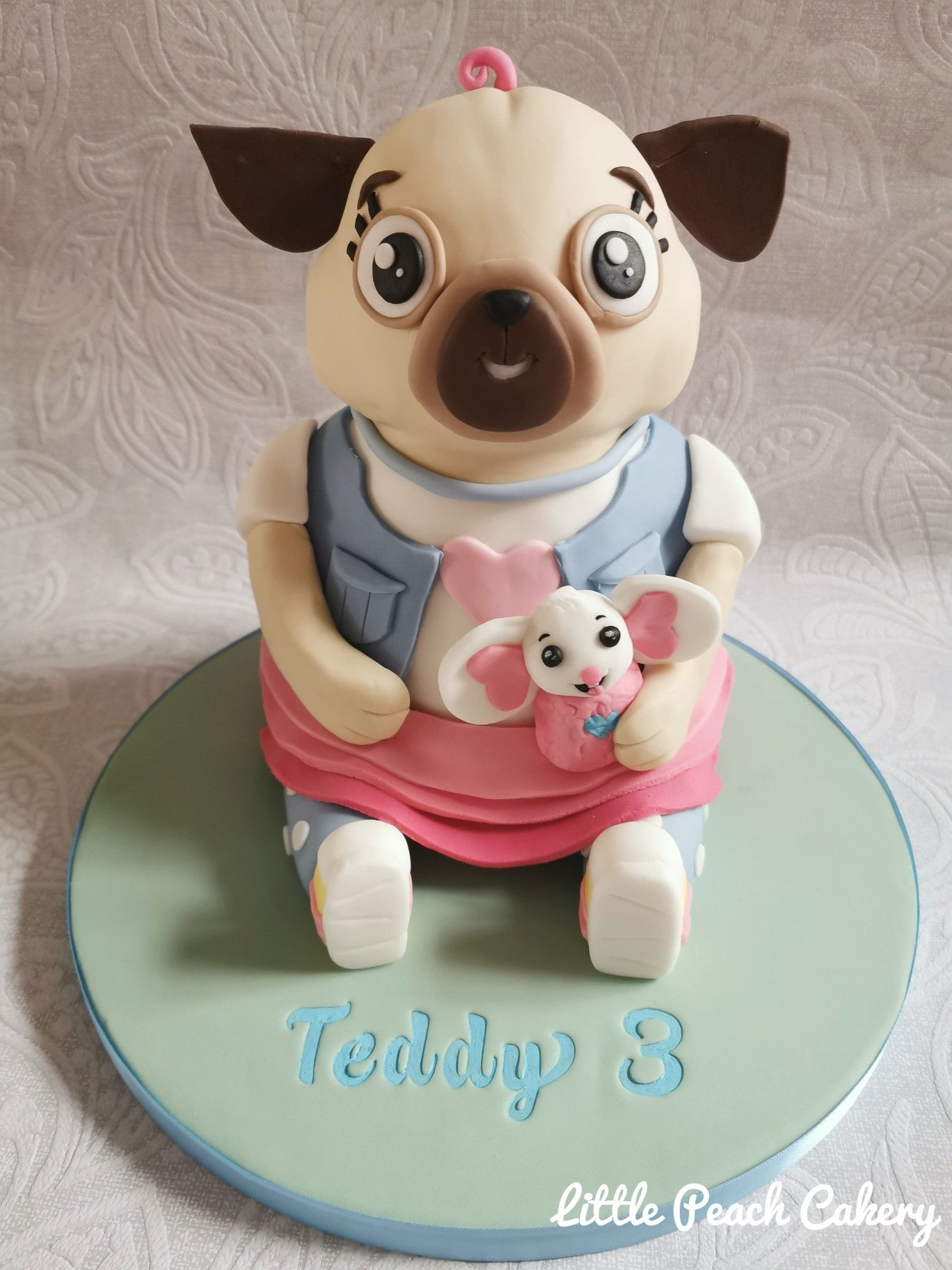 Chip And Potato Pug Cartoon Cake En 2020 Tartas Bautizo