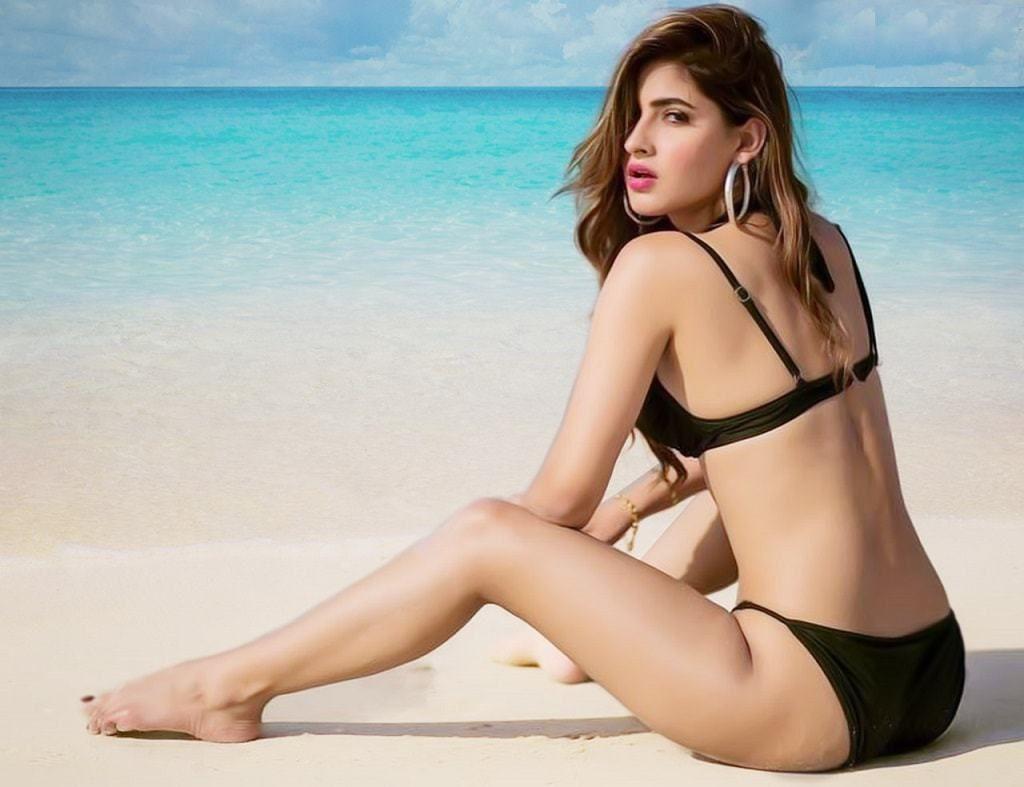 Hot Indian Instagram Babe Karishma Sharma Nude