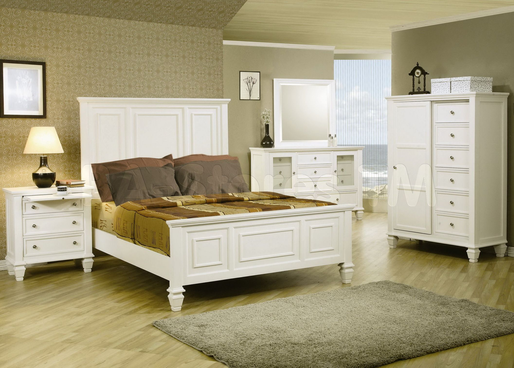Awesome The Use Of White Bedroom Furniture Sets Home And