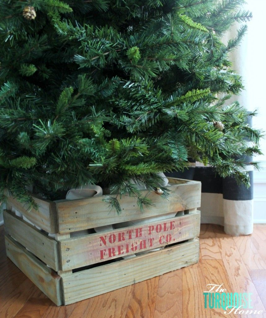 Christmas tree decor in a box - Build A Custom Tree Stand Crate From Pallets Awesome Full Tutorial